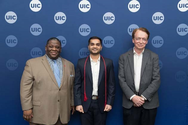 UIC Masters of Energy Engineering (MEE) graduate won the 47th Chancellor's Student Service and Leadership Award